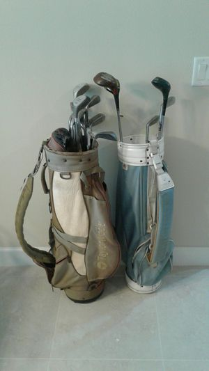 17 vintage golf clubs + two golf bags for Sale in Sebastian, FL