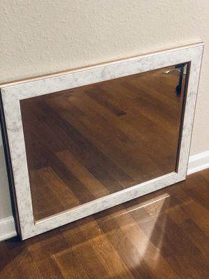 ROSE GOLD & MARBLE MIRROR for Sale in Tallahassee, FL