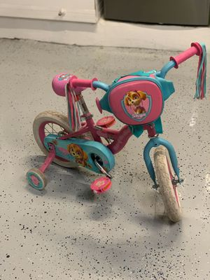Paw patrol girl bike and helmet for Sale in Davie, FL