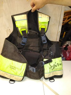 SHERWOOD SCUBA DIVING VEST ADJUSTABLE FROM SIZE M TO XL for Sale in Cape Coral, FL
