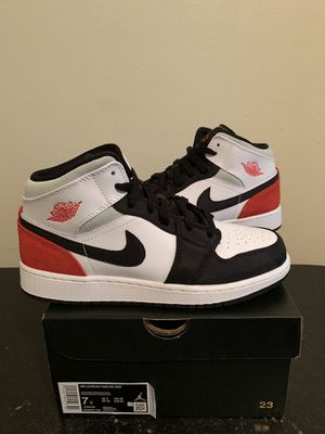 Air Jordan 1 Mid Red Suede Black White Size 7 7Y (Pick Up) for Sale in Fort Lauderdale, FL