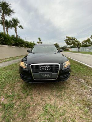 2011 AUDI Q5 SPORT for Sale in Miami, FL
