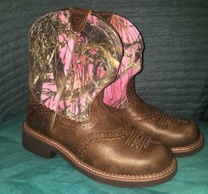 Ariat Women's Fatbaby Heritage Western Boots - Pink Camo size 9b for Sale in Deltona, FL