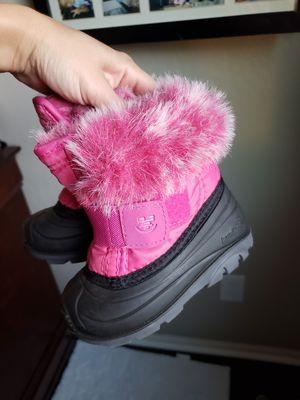 Kamik snow boots size 6 toddler for Sale in Phoenix, AZ
