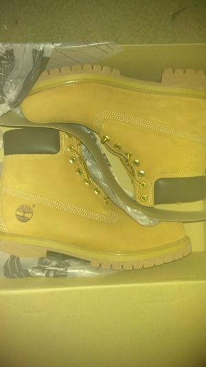 Size 9 Timberland boots men for Sale in Pittsburgh, PA