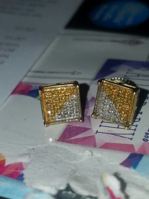 Dimond earring for Sale in Fresno, CA