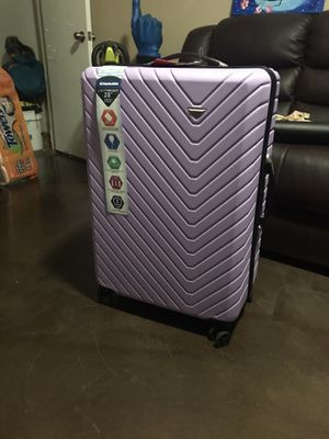28in CIAO rolling suit case for Sale in Dallas, TX