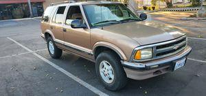 1996 Chevy Blazer V-6 4X4 for Sale in Ontario, CA
