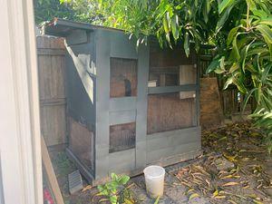 Free chicken Coop for Sale in Orlando, FL