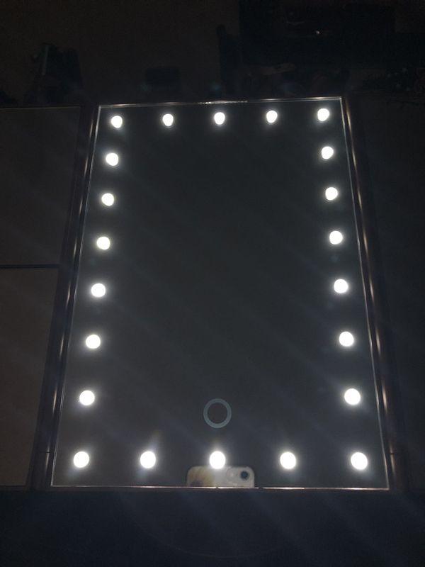 Touchscreen Makeup Vanity Mirror