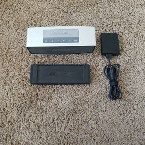 Bose Wireless/Bluetooth Speaker for Sale in Tempe, AZ