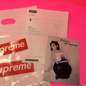 """10/10 """"Rare"""" Araki for Supreme Zine ft. Kiko Mizuhara for Sale in Brentwood, MD"""