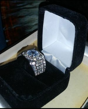 925 MEN'S RING SIZE 10 WITH BOX NEW IF THIS ITEM STILL UP IT IS STILL AVAILABLE for Sale in San Jose, CA