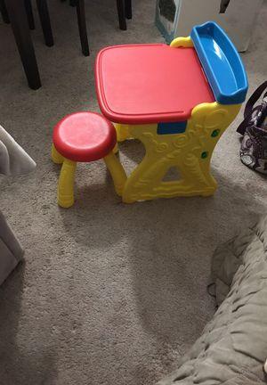 Kids crayola desk for Sale in Marysville, WA
