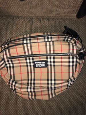 Burberry Fannypack for Sale in Seattle, WA