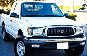 Price $1000 2002 Toyota Tacoma for Sale in Lexington, KY