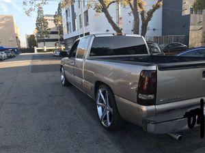 2001 Chevy Silverado 1500 for Sale in Hawthorne, CA