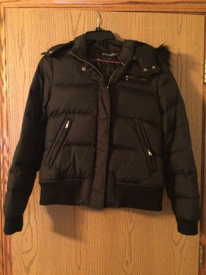 Winter jacket with warm hoodie from Express, size M in black color for Sale in Beaver Falls, PA