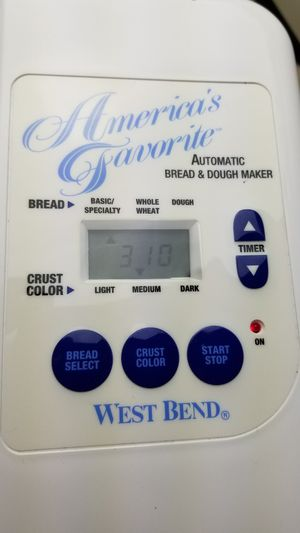 West Bend America's Favorite Automatic Bread & Dough Maker Machine for Sale in Suwanee, GA