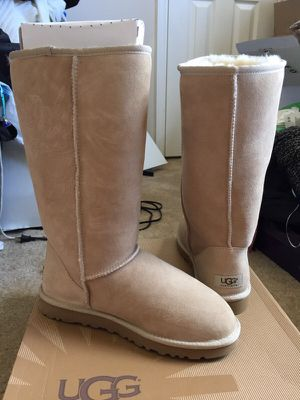 NIB Authentic Ugg Tall Classic Boots Sand SZ 8 for Sale in Houston, TX
