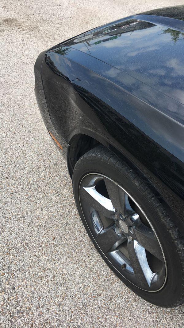 2011 Dodge Challenger low miles