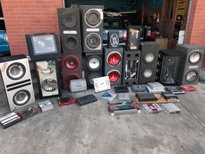 Speakers boom boxes and amplifiers for Sale in St. Petersburg, FL