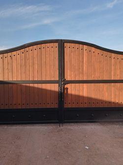 Se ace todo tipo de herreria puertas cercos for Sale in Phoenix,  AZ