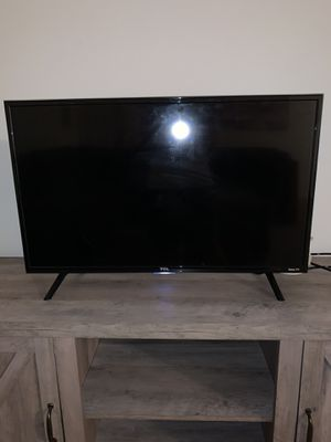 """32"""" TCL ROKU TV for Sale in Lancaster, PA"""