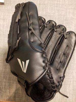 "13"" Easton baseball softball glove for Sale in Downey, CA"