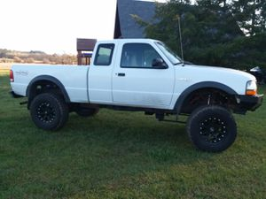 Lifted Ford ranger xlt trade for Sale in Chehalis, WA
