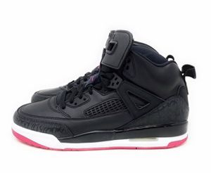WOMENS JORDANS SIZE 7.5 for Sale in Coalburg, AL