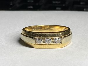 Men's 14Kt gold diamond ring size 9 for Sale in Miami, FL