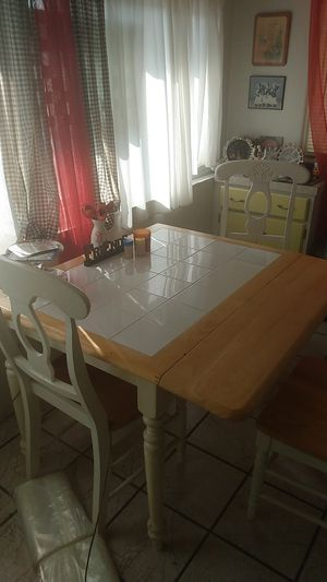 Farmstyle5piece set4 chairs table that opens up for Sale in Hemet, CA
