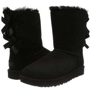 UGG Ladies Bailey Bow II Black Boot Size 6M for Sale in Rochester, MI