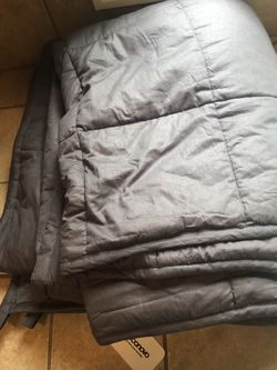 NEW Weighted Blanket 15lbs - Deconovo for Sale in Kirkland,  WA