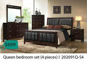 Queen bedroom set 4 pieces for Sale in La Mirada, CA
