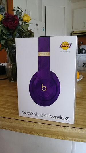 Beats studio3 wireless LAKERS EDITION for Sale in Carson, CA
