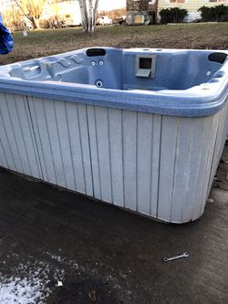 FREE HOT TUBS for Sale in Selah,  WA