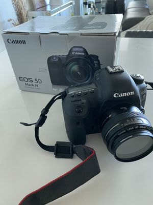 Mark IV Canon EOS Digital Camera with lense for Sale in Miami, FL