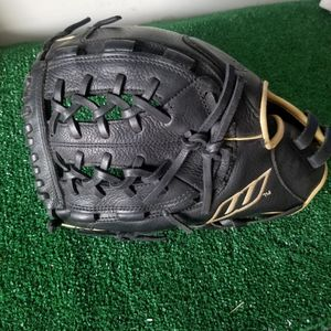 Worth LHT Softball Glove for Sale in Phoenix, AZ