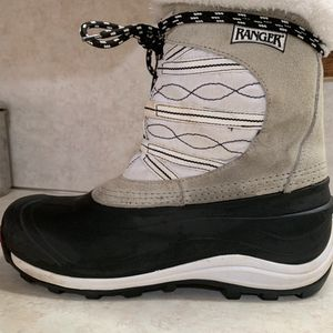 Womans Size 9 Ranger Boots for Sale in Camas, WA