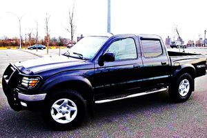 ֆ14OO 4WD Toyota Tacoma 4WD for Sale in Hartford, CT