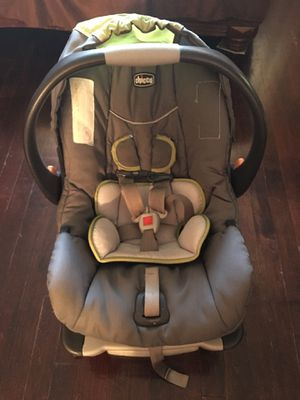 FiRM PRICE- Beautiful Chicco KeyFit 30 Brand infant adjustable car seat like new slightly used for Sale in Hammond, IN