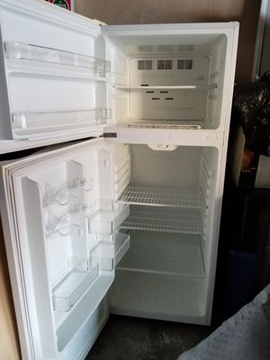 Magic Chef 5x3 Refrigerator Good condition for Sale in La Mirada, CA