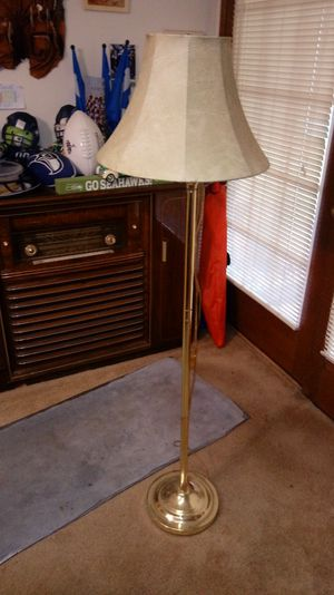 Floor lamp for Sale in BETHEL, WA