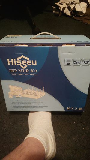 """Hiseeu HD NVR kit w/ TB HARD Drive added to it, comes with a 20"""" curved monitor for Sale in Seffner, FL"""