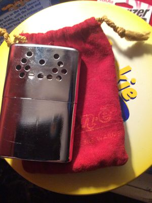 Like new vintage Jon e hand warmer zippo works great nice vintage piece 1975 USA for Sale in Judson, IN
