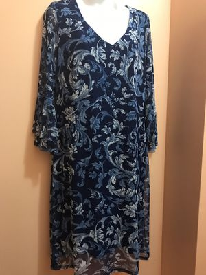 Beautiful dress size large for Sale in Austell, GA