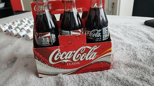 Coyotes 2003 coka'cola bottles 6 pack with box great condition for Sale in Glendale, AZ