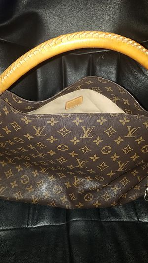 Louis Vuitton Artsy MM bag (Made from France) for Sale in San Francisco, CA
